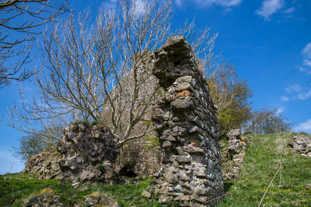 The ancient ruins of the outer court yard walls of the once impressive structure and impressive ruins are situated about a mile and a half from the village of Craigie and are recognised as one of the earliest buildings in the country and thought to have been the birth place of William Wallace when the castle was owned by his grandfather.