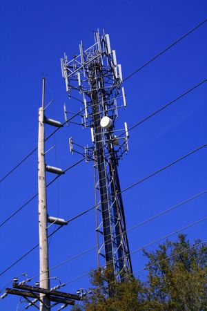 Cell tower with many anntennae