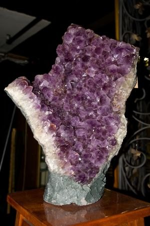 large formation: Large formation of amethyst - violet quartz - on a table
