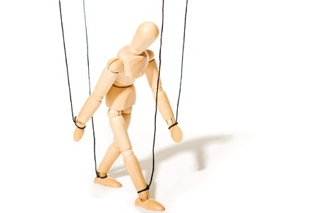 marioneta de madera: Marioneta de madera aislado en blanco