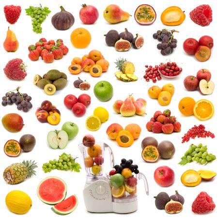 白の背景にジューシーなフルーツのコレクション