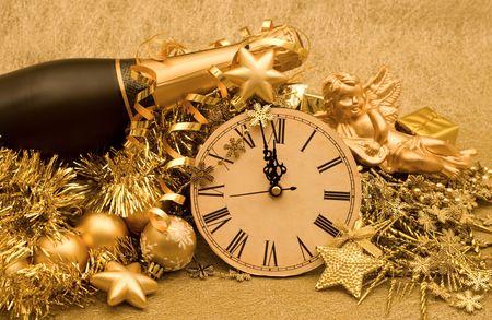 金色の背景に新年装飾