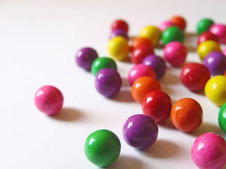 Verspreid kauwgom ballen Stockfoto