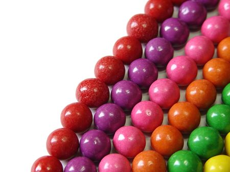 Aligned chewing gum balls by color