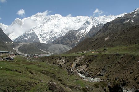 View of trekking path to Kedarnath, Uttarakhand State, India Standard-Bild