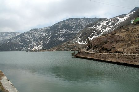 Tsomgo Lake, 12400 pieds d'altitude, Ganktok, Sikkim, Inde, Asie Banque d'images