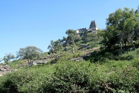 Temple de Yoganarasimhaswamy sur le sommet de la colline de Melkote, District de Mandya, Karnataka, en Inde, Asia
