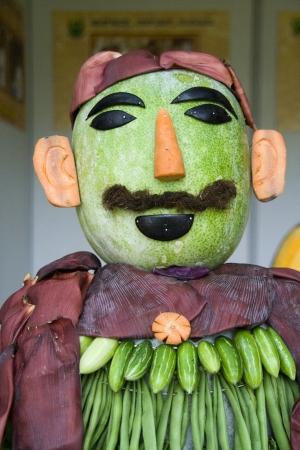 sculpted: Vorm van de mens gebeeldhouwd in groenten zoals pompoen, wortel, bonen, etc bij Koblenz in Lalbagh Botanical Garden, Bangalore, Karnataka, India, Azië Stockfoto