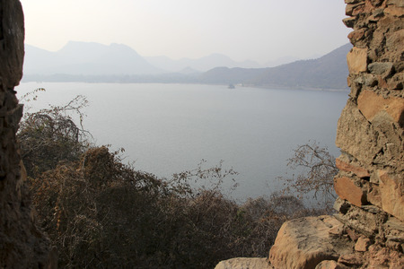 sagar: View of hills and Lake Fateh Sagar from Moti Magri Hill near Pratap Smarak in Udaipur, Gujarat, India, Asia Stock Photo