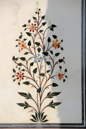 inlay: Beautiful floral inlay work in marble