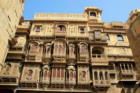 Grande regard de vue frontale de Patwon-ki-Haweli � Jaisalmer, Rajasthan, Inde, Asie