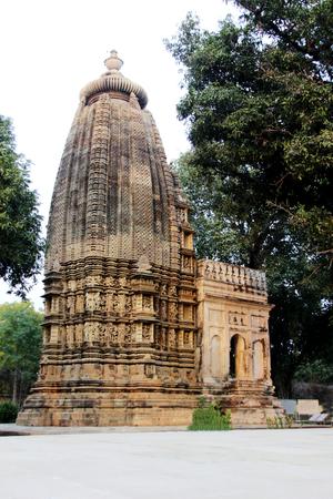 Vue de Adinath Jain Temple sous Eastern Group of Temples Khajuraho, Madhya Pradesh, en Inde, en Asie