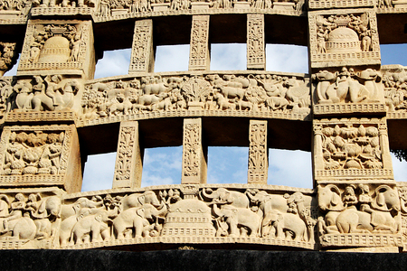 bhopal: Close-up of exquisite carving on rear face of eastern gateway to great stupa at Sanchi, near Bhopal, Madhya Pradesh, India, Asia
