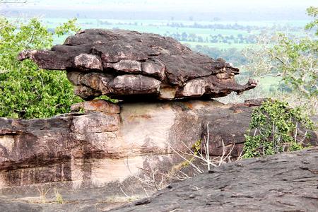 bhopal: Maravilla natural del lookalike tortuga terrestre que se encarama en la roca en Bhimbetka, cerca de Bhopal, Madhya Pradesh, India, Asia