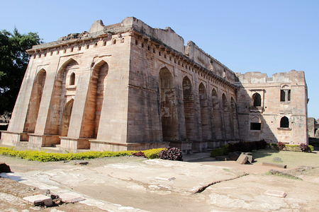 madhya pradesh: View of Hindola Mahal or Swinging Palace audience hall with sloping side walls at Mandu, Madhya Pradesh, India, Asia