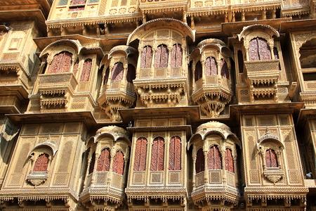 Details of frontal face of Patawon-ki-Haweli at Jaisalmer in Rajasthan, India, Asia Banco de Imagens - 49983337