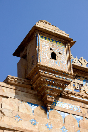 Overhanging cabin on top edge of Gwalior Fort in Gwalior, Madhya Pradesh, India, Asia Stock Photo