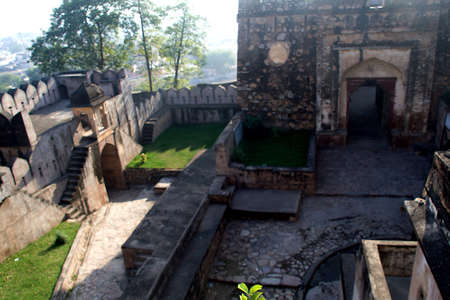 View of terraces and basement of Fort at Jhansi in Uttar Pradesh, India, Asia Standard-Bild