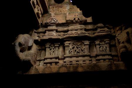 Stone sculpture on interior wall of Virupaksha Temple in Pattadakal, Bagalkot District, Karnataka, India, Asia Standard-Bild