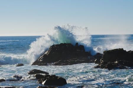 波のクラッシュ 写真素材
