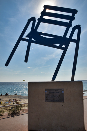SAB monument to the blue charles thrush chair in nice on the promenade des anglais