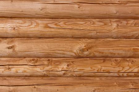 muro di tronchi di legno