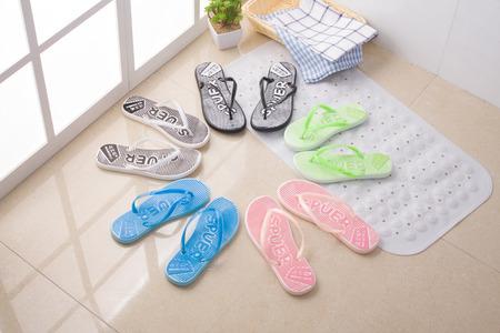 slipper: slipper