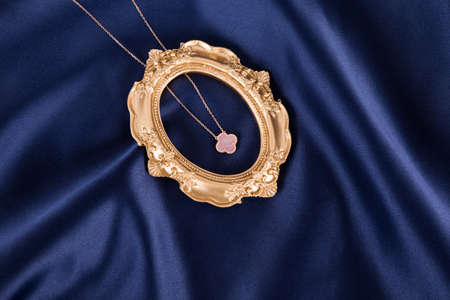 Fashionable and exquisite ladies necklace