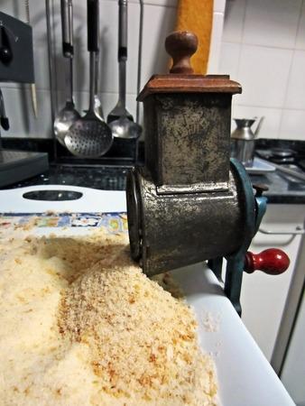crank: vintage crank bread grater