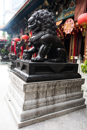 Lion sculpture in Wong Tai Sin 스톡 콘텐츠