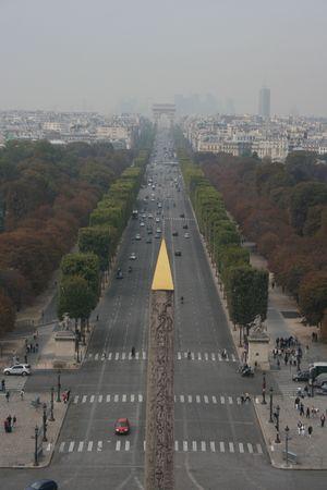 des: Looking down LAvenue des Champs Elys�es from a Ferris Wheel Stock Photo