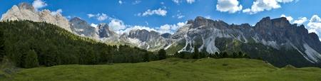 Panoramica Odle e il Monte Stevia preso nei pressi della località montana di Firenze
