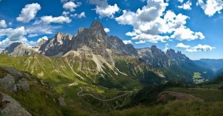 panoramic view of the Pale di San Martino, Dolomites 版權商用圖片
