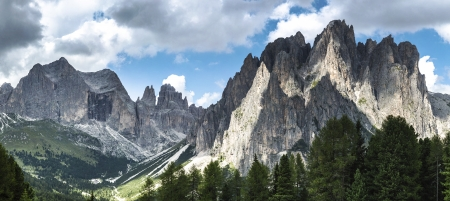 vajolet: panoramic view of Valle del Vajolet from Ciampedié, Dolomiti - Italy