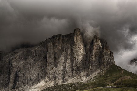 Storm formation over the top of Sella Tower in summer season, danger for mountain climbing Archivio Fotografico