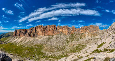 the landscape colors of the rocky mountains in the Dolomites 版權商用圖片