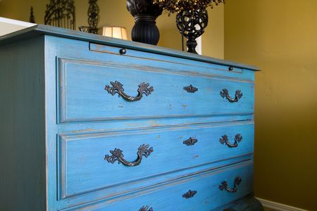 Close up op een blauw dressoir Stockfoto