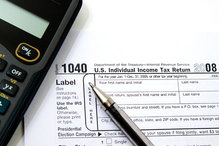 Preparing Taxes - Form 1040 for 2008 Imagens