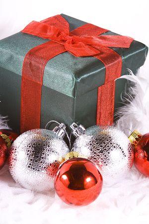Cuadros y adornos - fondo de Navidad aislado  Foto de archivo - 5933923