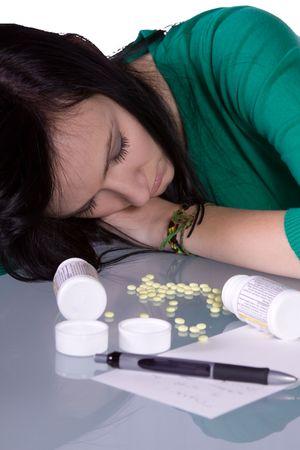 sobredosis: Chica adolescente hacer medicamentos - muerte de sobredosis