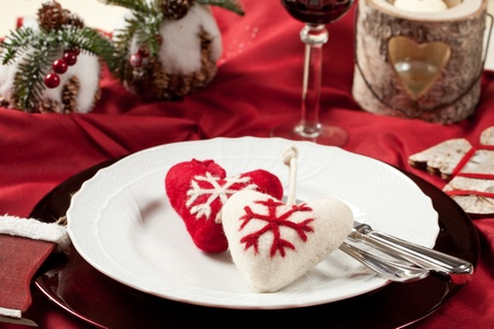 Red, romantic place setting for christmas or celebration wit white and red heart Stock Photo - 11195173