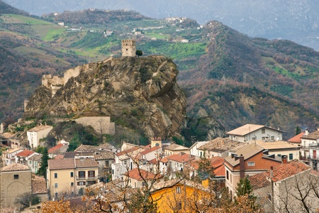View of rural village of Roccascalegna, dominated by his castle Stock Photo