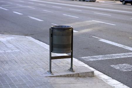 forniture: Poco bin, muebles urbanos, Barcelona, Espa�a