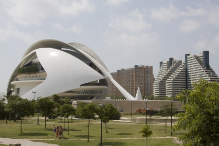palau: Garden in front of an opera house, Palau De Les Arts Reina Sofia, Valencia, Spain