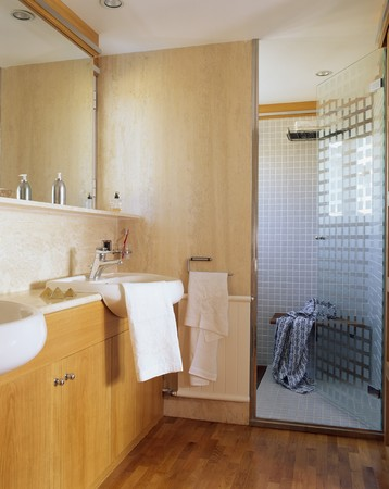 fitted unit: View of a sink in a bathroom