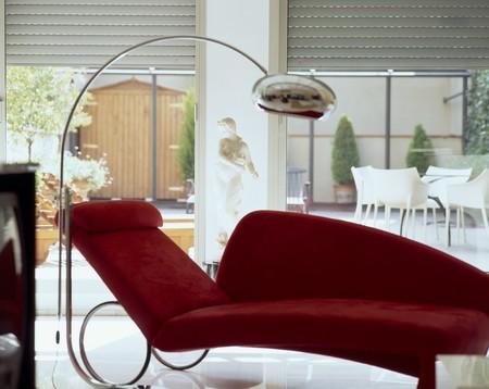 spanish homes: Visualizzazione di un elegante divano rosso  LANG_EVOIMAGES