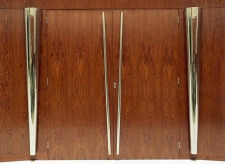 mediterranian home: Close-up of wooden doors LANG_EVOIMAGES