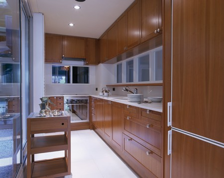 fitted unit: View of an opulent kitchen
