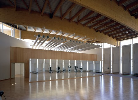 mediterranean interior: View of a large gymnasium