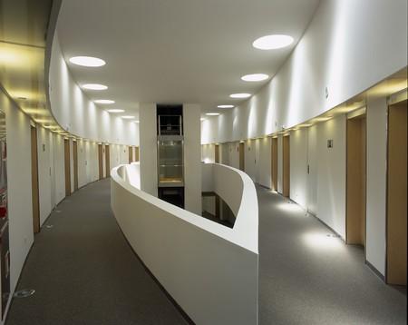 noone: Visualizzazione di un corridoio illuminato